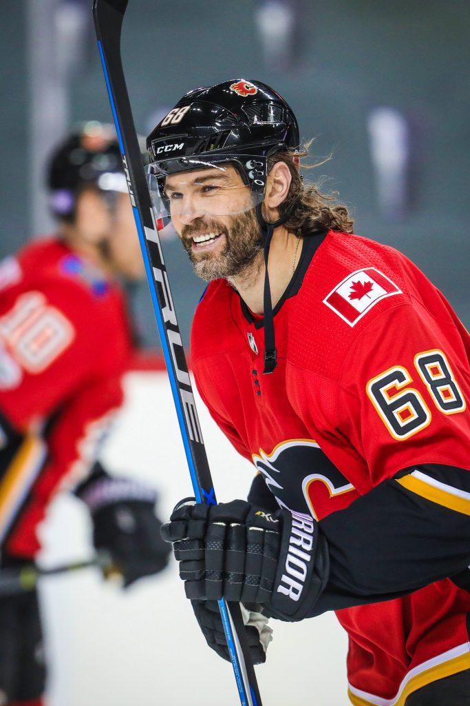 Jagr-Flames-683x1024 Jaromir Jagr Boston Bruins Calgary Flames Dallas Stars Florida Panthers Jaromir Jagr New York Rangers Pittsburgh Penguins Washington Capitals