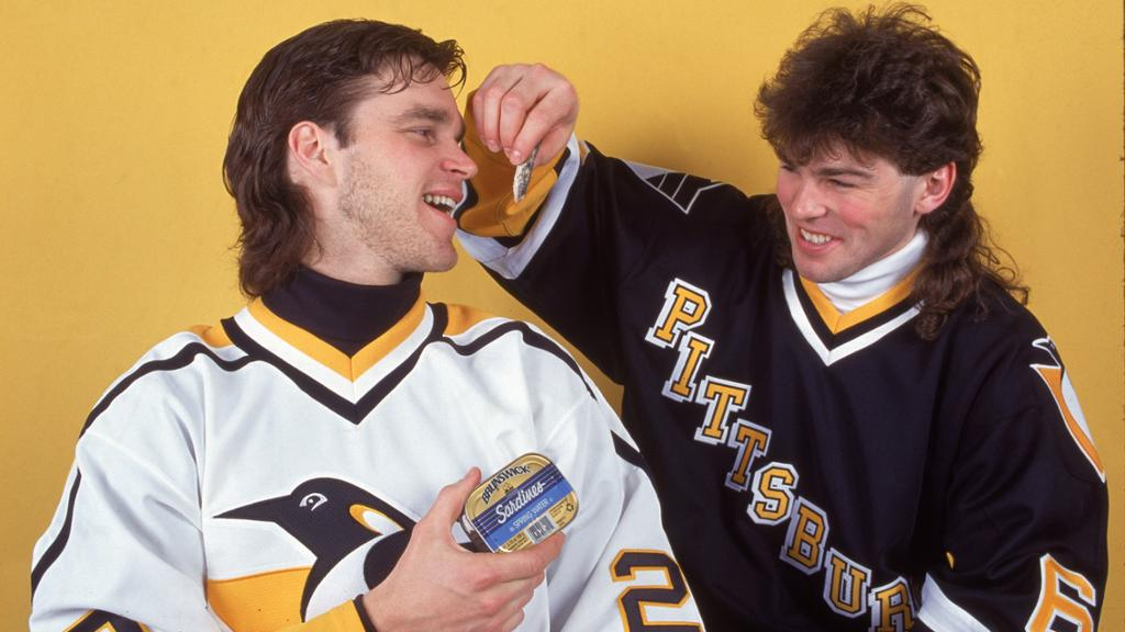 Luc-Robitaille-Jagr-mullets Luc Robitaille Detroit Red Wings Los Angeles Kings New York Rangers Pittsburgh Penguins