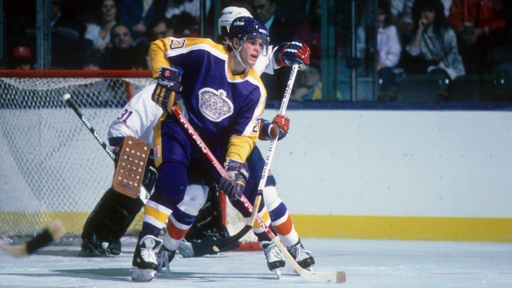 Luc-Robitaille-Kings-1024x576 Luc Robitaille Detroit Red Wings Los Angeles Kings New York Rangers Pittsburgh Penguins