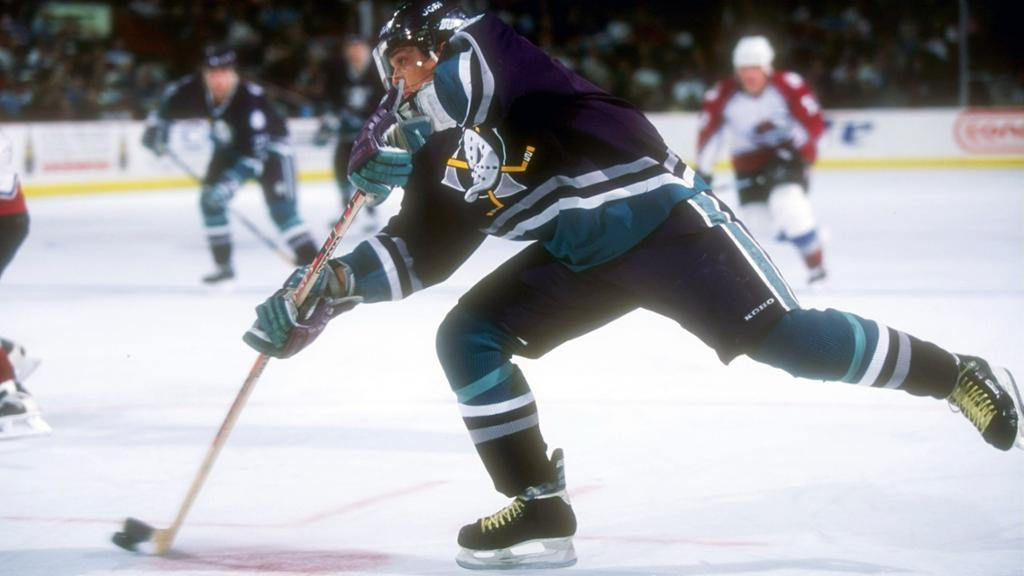 Selanne-Ducks Teemu Selanne Anaheim Ducks Colorado Avalanche San Jose Sharks Teemu Selanne Winnipeg Jets