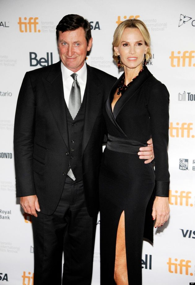 Wayne-Gretzky-Janet Wayne Gretzky Edmonton Oilers Los Angeles Kings New York Rangers Team Canada Wayne Gretzky
