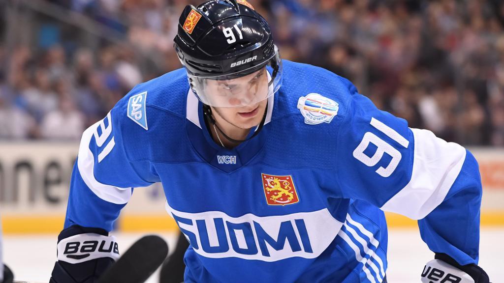 Aleksander-Barkov-Florida-Panthers-3 Top 5 plays from 2019-2020: Aleksander Barkov Aleksander Barkov Florida Panthers