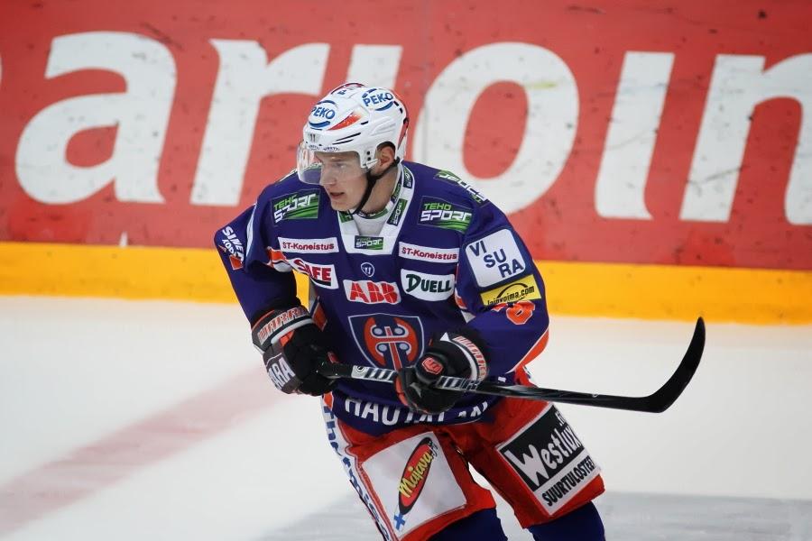 Aleksander-Barkov-Florida-Panthers-5 Top 5 plays from 2019-2020: Aleksander Barkov Aleksander Barkov Florida Panthers