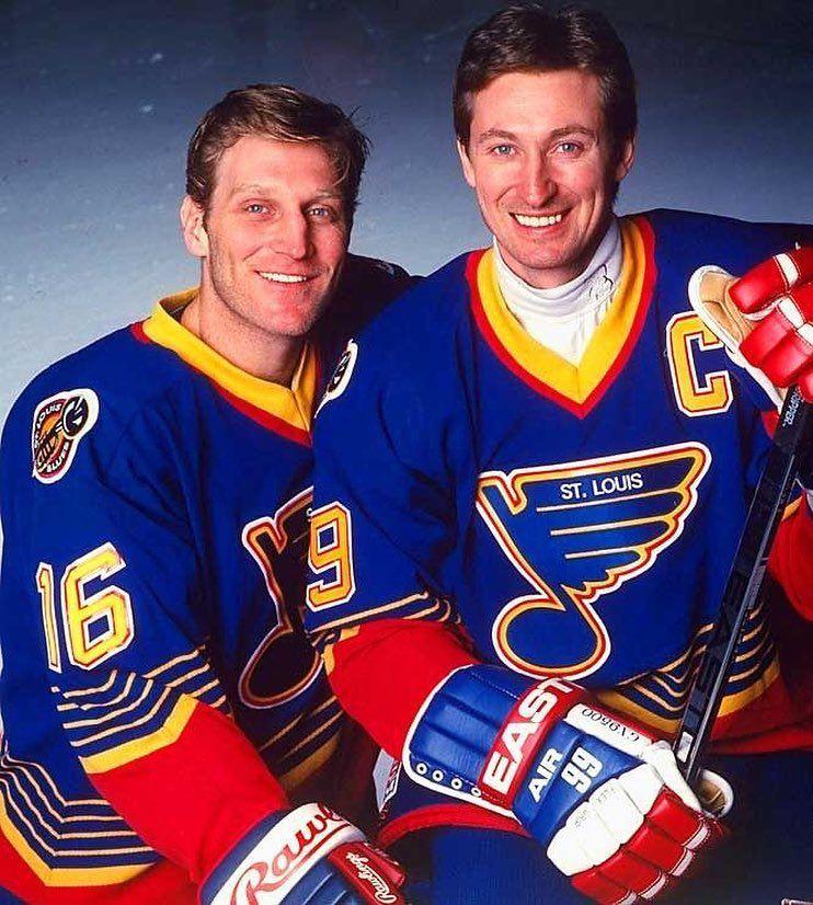 Brett-Hull-Gretzky Brett Hull Brett Hull Calgary Flames Dallas Stars Phoenix Coyotes St Louis Blues