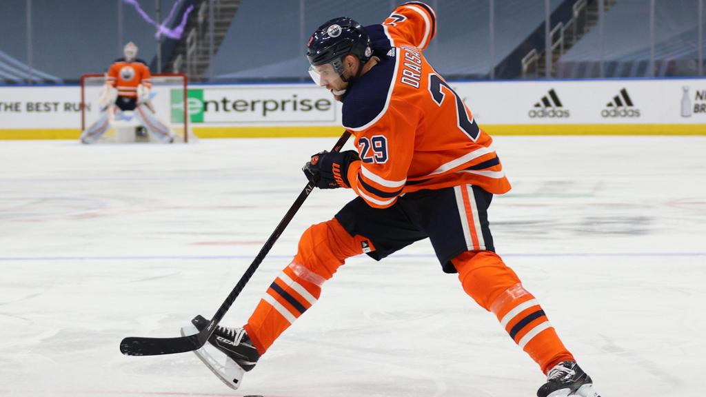 Leon-Draisaitl-Edmonton-Oilers-Celly Top 10 plays from 2019-2020: Leon Draisaitl Edmonton Oilers Leon Draisaitl NHL