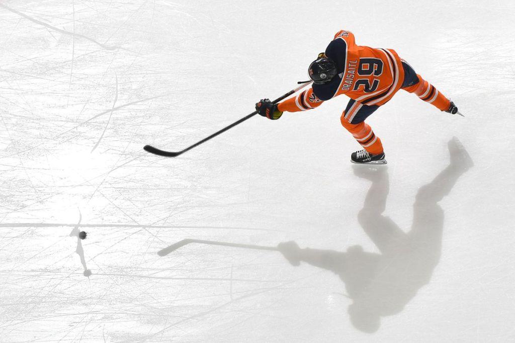 Leon-Draisaitl-Edmonton-Oilers-Overhead-1024x683 Top 10 plays from 2019-2020: Leon Draisaitl Edmonton Oilers Leon Draisaitl NHL