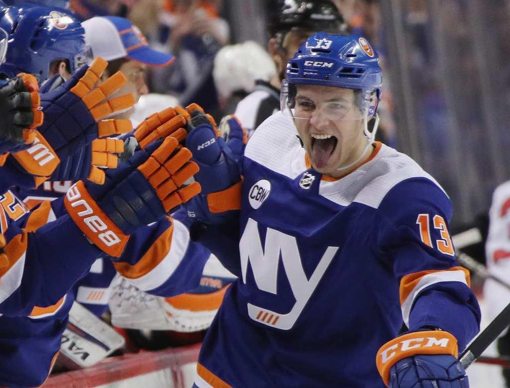 Mathew-Barzal-New-York-Islanders-3-1024x780 Top 10 plays from 2019-2020: Mathew Barzal Mathew Barzal New York Islanders