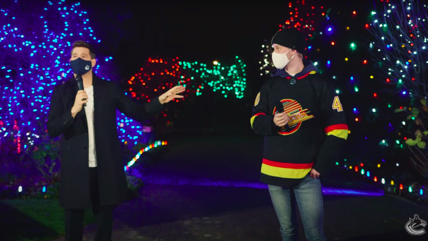 Michael-Buble-and-Elias-Pettersson-singing-Christmas-Songs-2 Michael Buble and Elias Pettersson singing Christmas Songs! Elias Pettersson Michael Buble Vancouver Canucks