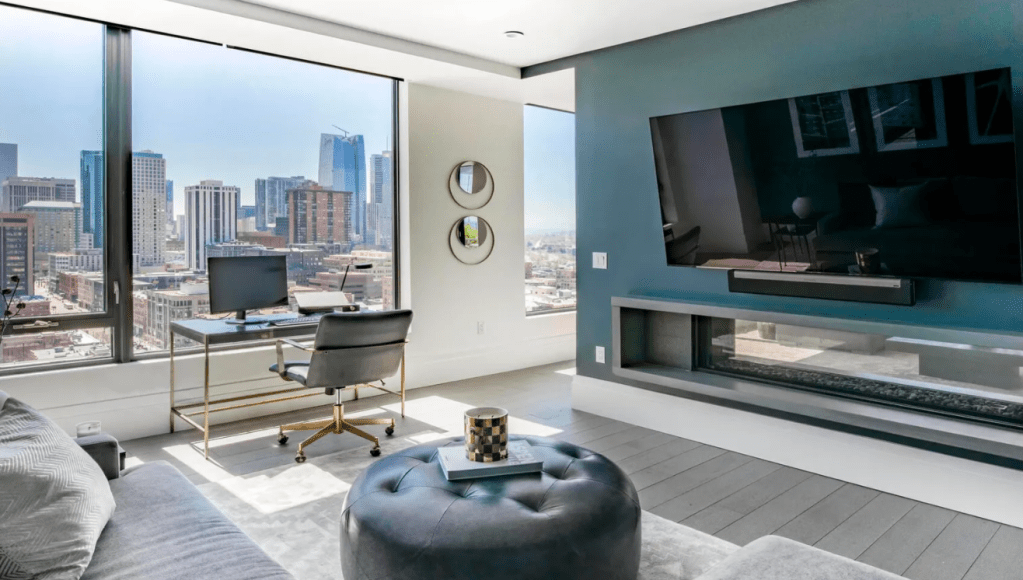 Nathan-MacKinnon-Colorado-Avalanche-3.5M-Penthouse-Apartment-21-1024x580 Take a look at Nathan MacKinnons gorgeous $3.5M Denver Penthouse Apartment! Colorado Avalanche Nathan MacKinnon