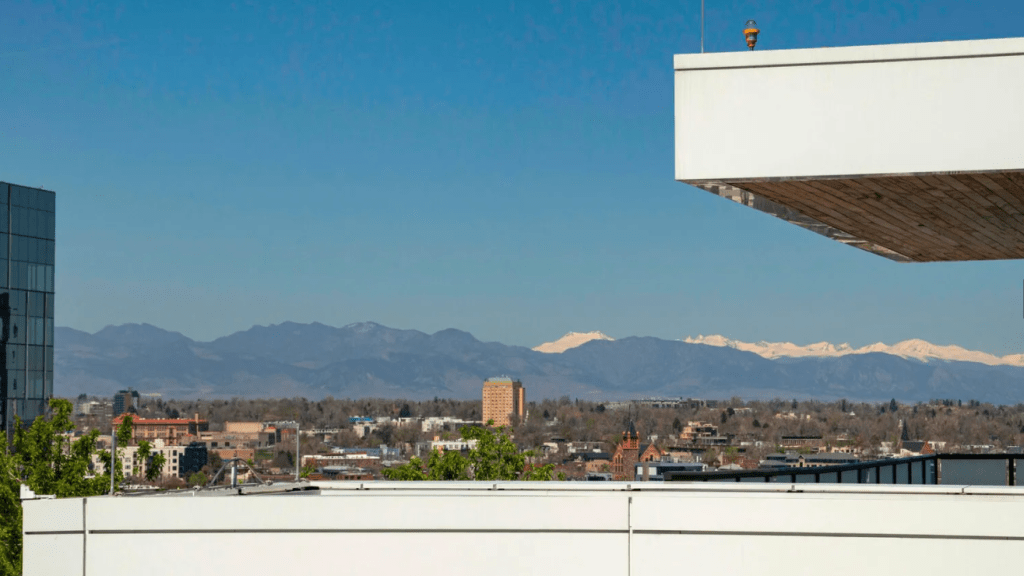 Nathan-MacKinnon-Colorado-Avalanche-3.5M-Penthouse-Apartment-33-1024x576 Take a look at Nathan MacKinnons gorgeous $3.5M Denver Penthouse Apartment! Colorado Avalanche Nathan MacKinnon