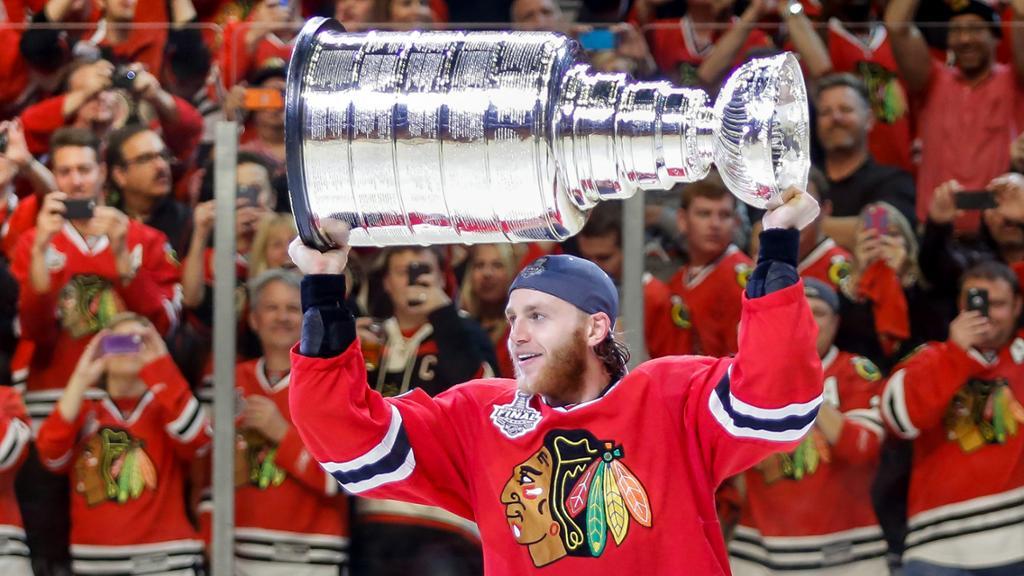 Patrick-Kane-Chicago-Blackhawks-Stanley-Cup Top 10 plays from 2019-2020: Patrick Kane Chicago Blackhawks Patrick Kane