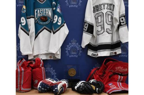 Wayne Gretzky Memorabilia 2